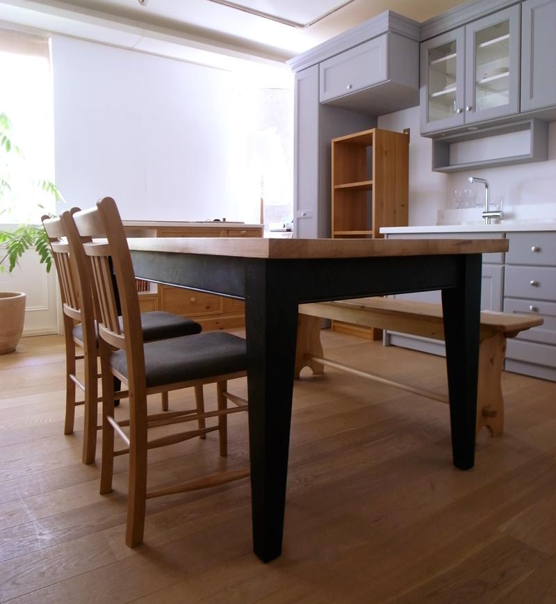 アンティークテーブル1